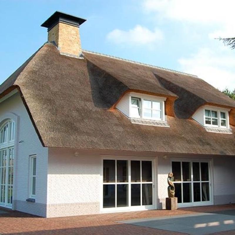 Referentie Rietdekkersbedrijf Molenaar: rieten dak woonhuis Geffen