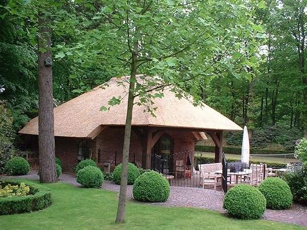 Referentie Rietdekkersbedrijf Molenaar: rieten dak bijgebouw Vught