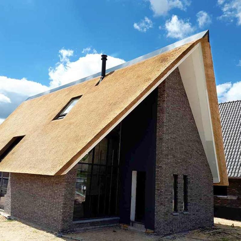 Referentie Rietdekkersbedrijf Molenaar: rieten dak woonhuis Demen